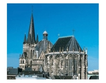 Aachen_Cathedral_White